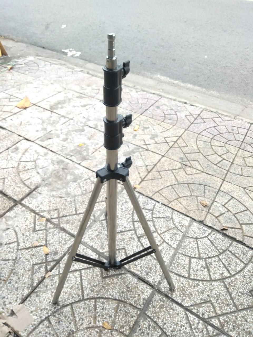 Chân đèn IP240 Inox